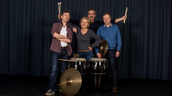 Foto af undervisere i trommer og slagtøj