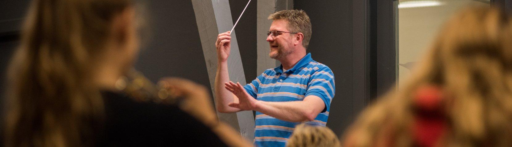 foto af Rasmus Bogø dirigent
