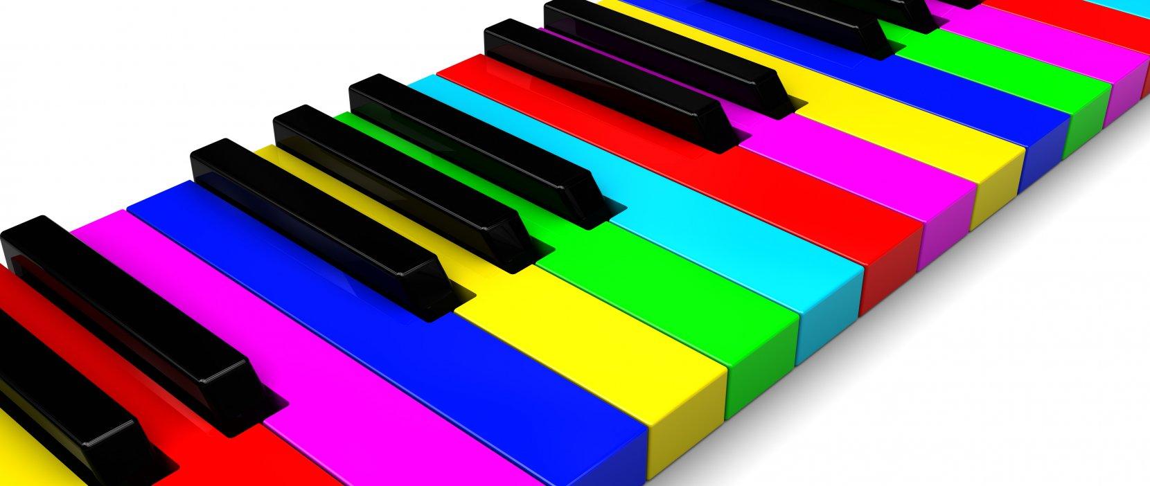 Billede af klaviatur med farvede tangenter